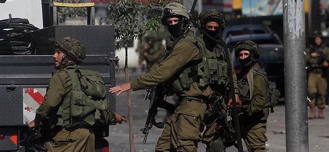İsrail Askerleri Mülteci Kampını Bastı
