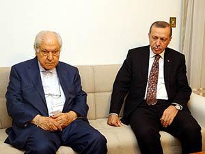Erdoğan, Nuri Pakdil'i Evinde Ziyaret Etti