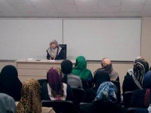 'Müslüman Gençlerin Kimliği ve Sorumluluklarımız'