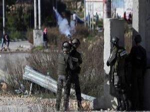 İsrail Bir Filistinliyi Şehit Etti