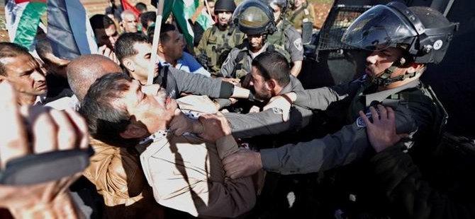 Batı Şeria'daki Gösterilere Müdahale (FOTO)