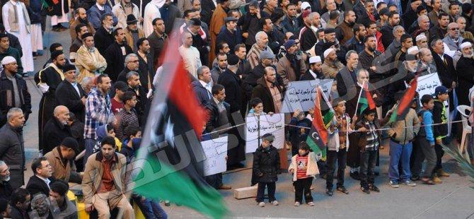 Libya'da Darbecilere Karşı Gösteriler Devam Ediyor