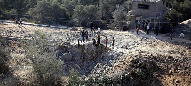 İsrail, Gazze'yi Havadan Bombaladı!