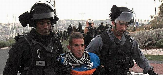 Batı Şeria'da 8 Filistinli Gözaltına Alındı