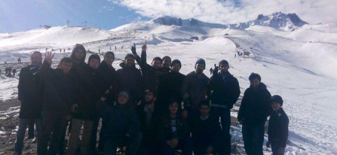 """Kayseri'de """"Özgür Üniversiteli"""" Buluşması Yapıldı"""