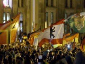 Almanya'da İslam Karşıtı Gösteriler Büyüyor