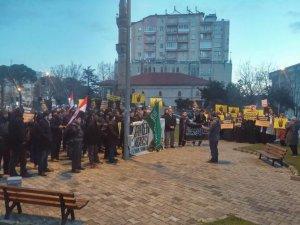 Ispartalı Gençler Sabah Namazında Mursi İçin Toplandı