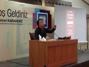 """K. Çekmece'de """"İslami Kimlik ve Gençlik"""" Semineri"""