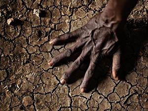 Afrika'ya Yardımın Arkasında Batı'nın Yağması Var!