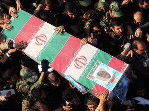 İran General Takhavi'nin Yasını Tutuyor