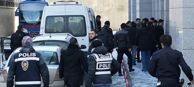 Aydın'da Dört Polis Meslekten İhraç Edildi