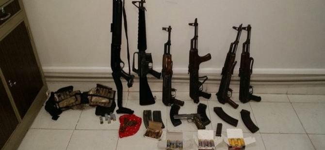 Meclis Üyesinin Bulunduğu Araçta Silah