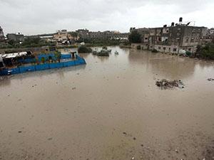 Gazze'de Onlarca Ev Sular Altında Kaldı