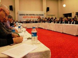 """Diyarbakır'da """"Kürt Meselesi ve Çözüm Süreci"""" Toplantısı"""