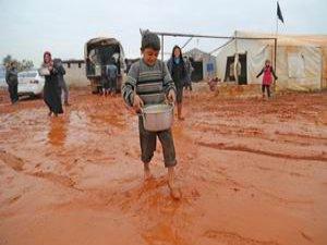Suriye Kamplarında Sıcak Yemek (FOTO)