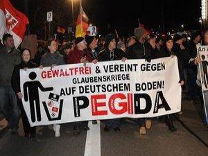 Irkçı PEGIDA İspanya'da da Örgütlendi