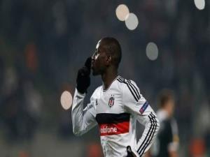 Bir Futbolcu Kadar Bile Yürekli Olamayan Müslümanlar Utansın!