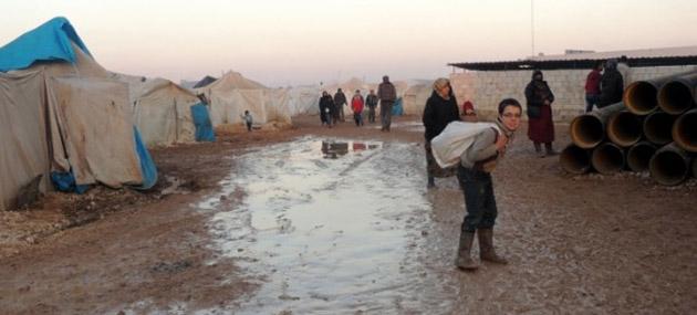 Suriyeliler Zor Hayat Şartlarıyla Mücadele Ediyor (FOTO)