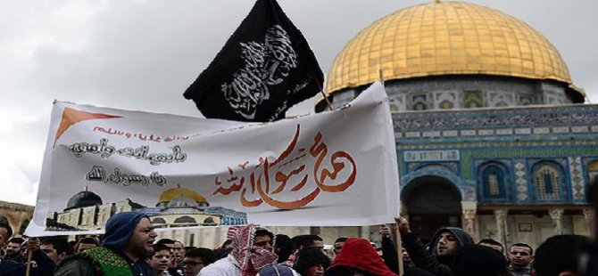 Mescid-i Aksa'da Charlie Hebdo Protesto Edildi