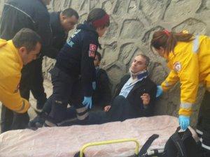 MHP Genel Merkezi'nde Akit Muhabirlerine Dayak