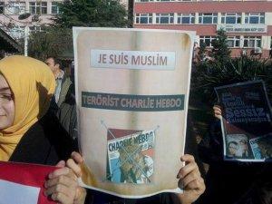 Eynesil'de Charlie Hebdo ve Cumhuriyet'e Tepki Eylemi