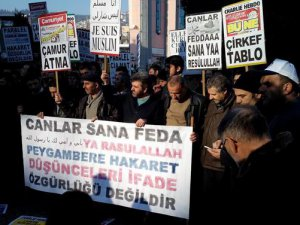 Kocaeli'de İğrenç Karikatürler Protesto Edildi