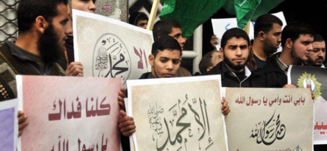 Gazze'de Charlie Hebdo Öfkesi