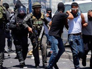 İsrail Polisi Filistinli Gençlerle Çatıştı