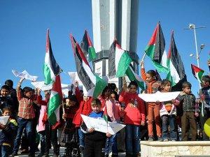 Gazzeli Çocuklardan Liman Gösterisi