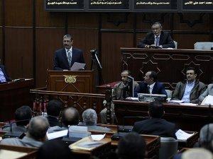 Yemen'de Cumhurbaşkanı ve Hükümet İstifa Etti