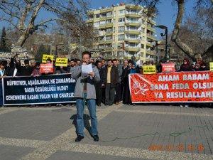 Kahramanmaraş'ta İğrenç Karikatürler Protesto Edildi
