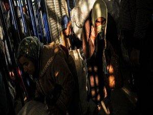 Sınırdaki Kadın Hamallar (FOTO)