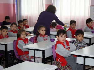 Öğretmenliğe İlk Atamada Yaş Sınırı Kalktı