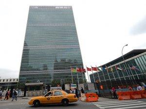 BM Önünde 'Katil Sisi' Sesleri