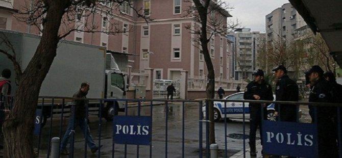 İzmir'deki Operasyonda Gözaltı Sayısı 18'e Yükseldi