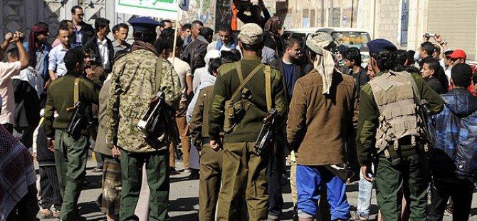 Yemen'de Husi Karşıtı Gösteriye Müdahale: 10 Yaralı
