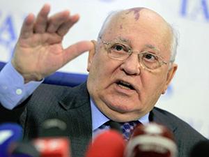 """Gorbaçov'dan """"Sıcak Savaş"""" Uyarısı"""