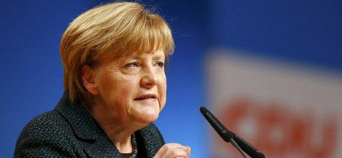 Merkel'den Türkiye-AB Anlaşmasına İlişkin Açıklama