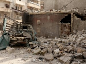 Esed Güçleri Halep'i Varil Bombasıyla Vurdu