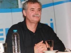 Özgür(!) Cumhuriyet, Işık Kansu'yu Kovdu