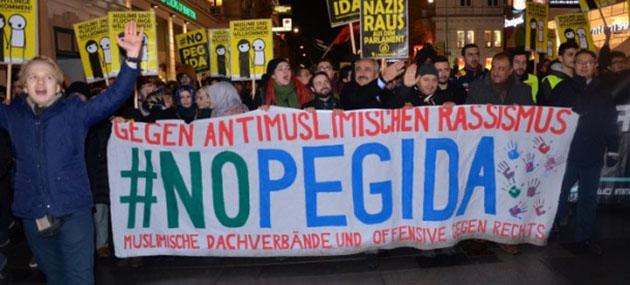 Avusturya'da PEGIDA'ya Büyük Tepki (FOTO)