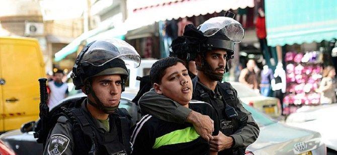 İsrail 11 Filistinli Çocuğu Gözaltına Aldı