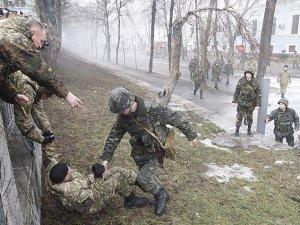 Ukrayna'da 70 Ayrılıkçı ve 12 Asker Öldü
