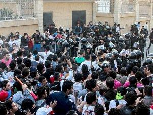 Mısır'da Futbol Maçında Çatışma: 22 Ölü
