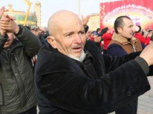 İmamlardan Sonra Uygurlara da Zorla Dans İşkencesi!