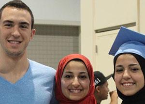 ABD'li Müslümanlar 3 Müslüman İçin Ayakta