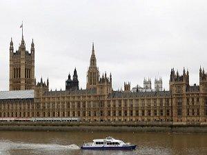 İngiltere'de Yeni Terörle Mücadele Tasarısı Yasalaştı