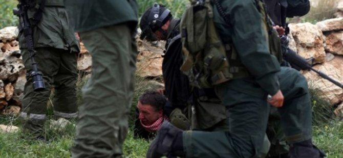 İsrail İngiliz Aktivisti Gözaltına Aldı