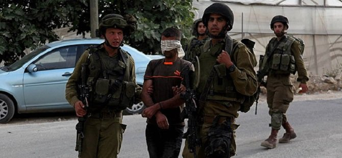 İsrail 21 Filistinliyi Gözaltına Aldı
