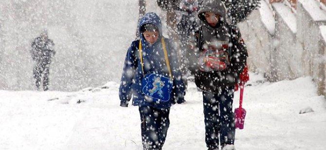 İstanbul'da 17 İlçede Eğitime Kar Engeli